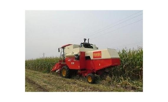 """""""互联网+农机""""让农民种地更省力"""